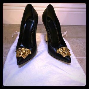 Versace Palazzo Pumps Size 38 1/2 (Fits size 8.5)